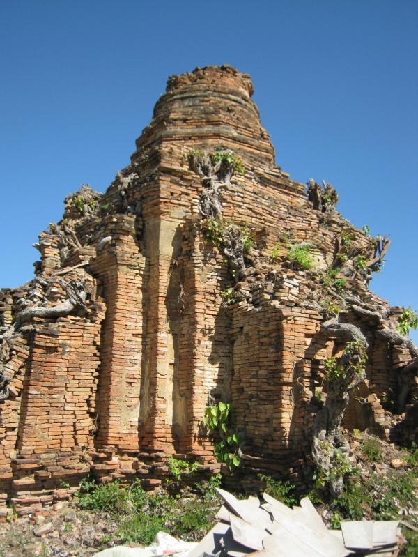 Nyaungshwe alter Tempel 2